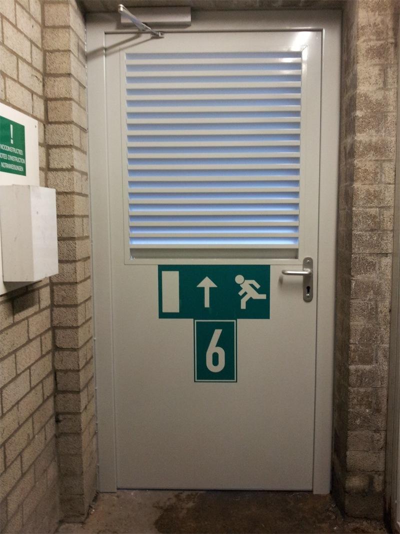 Vluchtdeur eisen